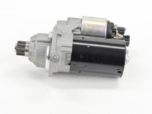 BOSCH Startmotor / Starter (0 001 121 402) BOSCH (0 001 121 402)